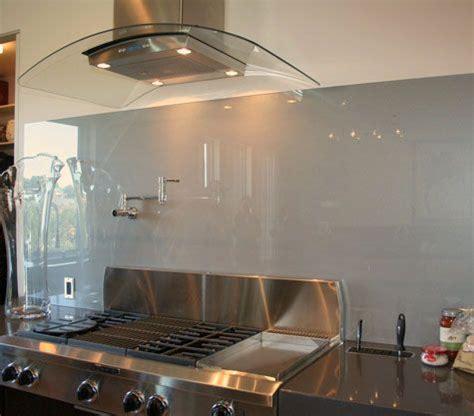 solid glass backsplash image