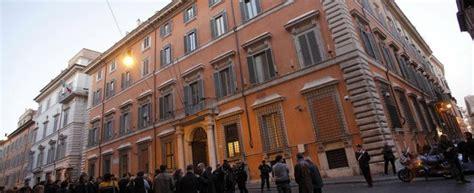 presidente della dei senatori massoneria il grande oriente d italia vuole rientrare nel