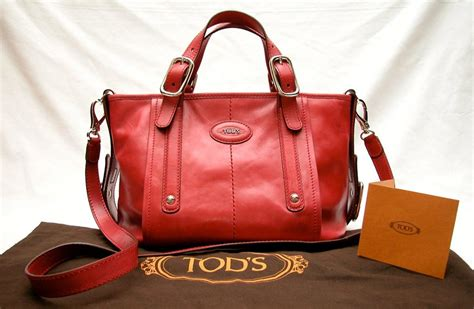G Bag tods authentic strawberry leather handbag g bag east west