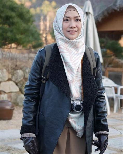 film layar lebar hijab novel jilbab traveler love sparks in korea diangkat ke