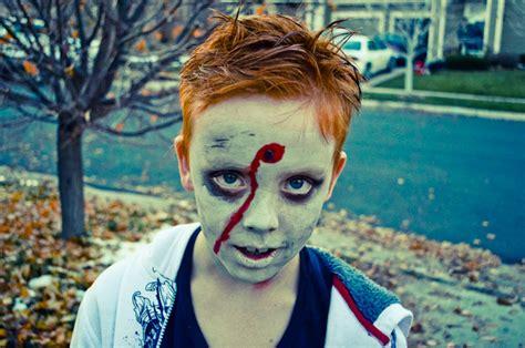 tutorial trucco zombie uomo trucco halloween idee facili da realizzare per uomo