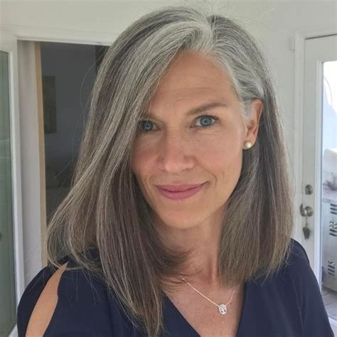 highlighting hair to transition to gray best 25 gray hair transition ideas on pinterest