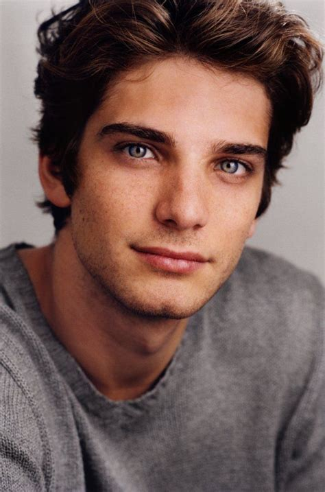 chicos model with curly brown hair jeff ward omg he is
