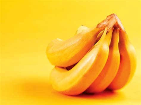 bananas hd wallpaper yellow banana wallpaper hd wallpaper wallpaperlepi