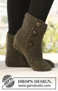 Diy stylish knitted and crochet slipper boots 6