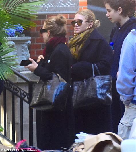 Mary-Kate and Ashley Olsen put their final touches on The ...