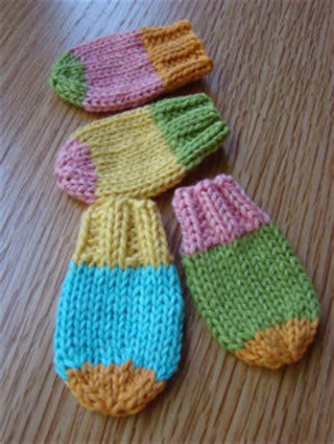 Mizu Sweet Knit By Lisela baby mitts allfreeknitting