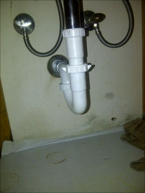 fix leaking bathroom sink drain bathroom sink trap leaking 28 images replace leaky bathroom sink drain pipes sinks and
