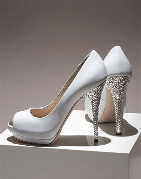 Wedding Dresses Shoes by Designer Wedding Shoes Complementing The Wedding Dresses