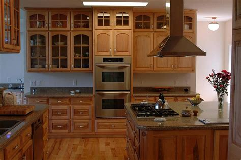 maple kitchen cabinets and granite countertops