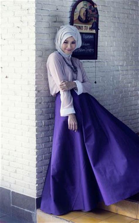 Koleksi Contoh Model Baju Muslim Ala Zaskia Adya Mecca