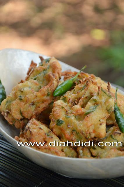 membuat siomay vegetarian bakwan tahu paling enak tuh yaa kalo di makan pas anget2