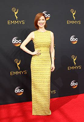 The Carpet Looks At The 2007 Emmy Awards by All The Carpet Looks At The 2016 Emmy Awards Cosmo Ph