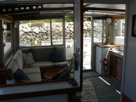pilot house trawler   sale   boats  usacom