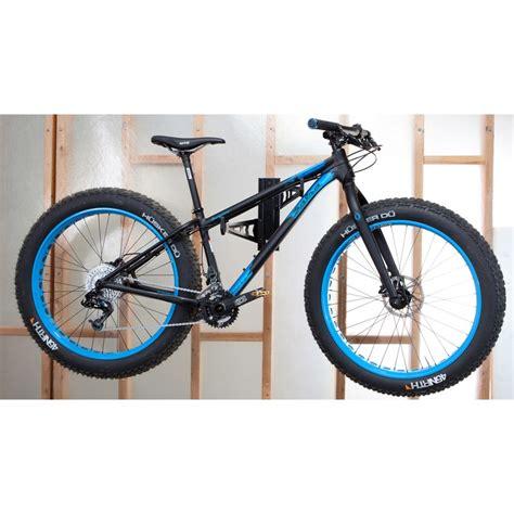 Feedback Sports Velo Wall Rack by Feedback Sports Velo Wall Rack For Cycles Black Bike24