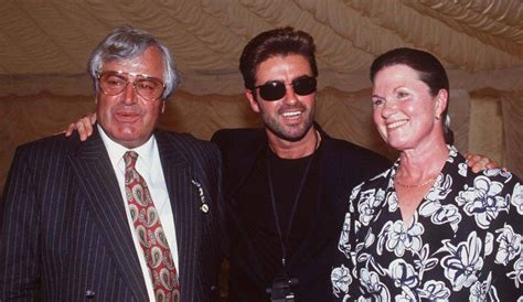 george michael s father george michael le ultime tristi foto svelano la verit 224 direttanews it