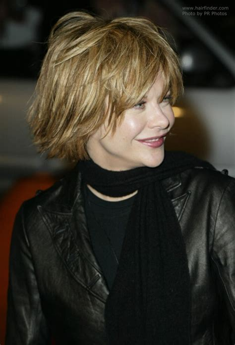 hair style of meg in the the meg ryan wearing her hair short with layering and feathering