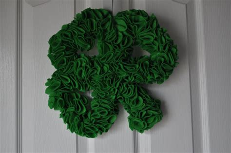Shamrock Decorating by Be Different Act Normal St S Day Wreaths Diy