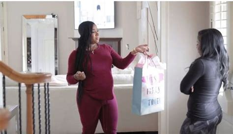 toya wright carter shows off her natural real hair again the toya wright shows off natural hairstyle while very