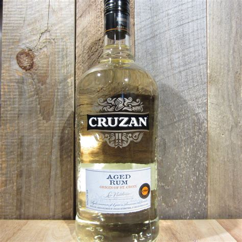 cruzan aged light rum cruzan rum aged light 1 75l oak and barrel