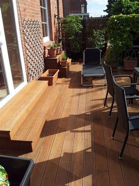terrasse l form gefälle holzterrassen und holzfliesen