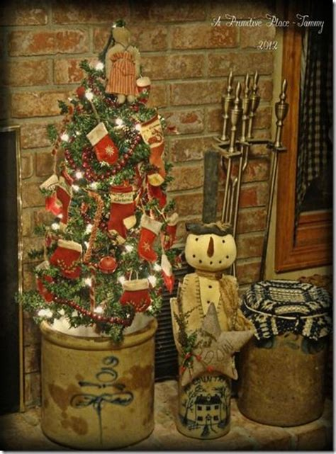 christmas home decorations pinterest a primitive place tammy christmas home decor 2 pinterest
