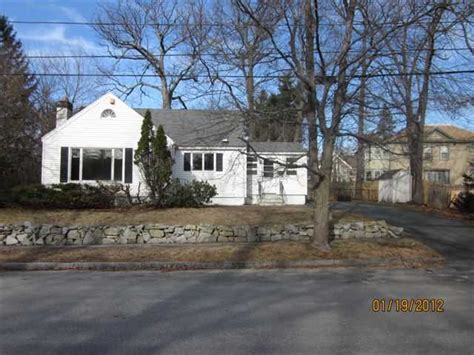 Houses For Sale In Methuen Ma by Methuen Massachusetts Reo Homes Foreclosures In Methuen