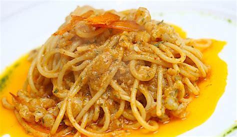 cucinare ricci di mare pasta con i ricci di mare crudi la ricetta di buonissimo