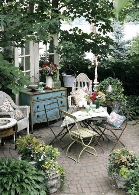 cozy courtyards for when space is at a minimum shabby chic garden outdoor rooms and shabby chic