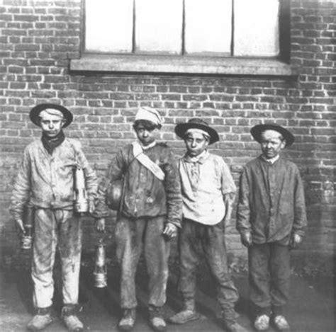 Das Avant 12a by Voil 224 La Remont 233 E Au Jour Des Quatre Enfants Mineurs De