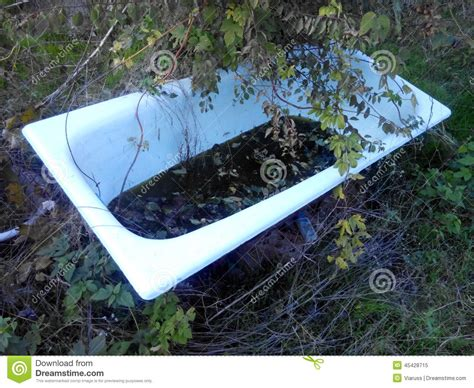 vieille baignoire vieille baignoire photo stock image 45428715