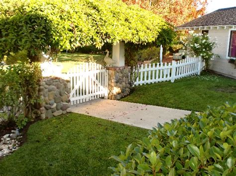 Cottage Fences by White Picket Fence White Ironstone Cottage