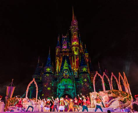 mickey s very merry christmas party 2016 photos report