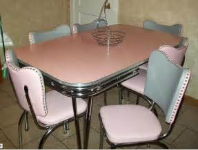retro kitchen furniture reupholster 1950s dinette chairs affordably retro renovation