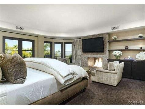 kardashians bedroom 17 best images about khlo 233 kardashian home casa on