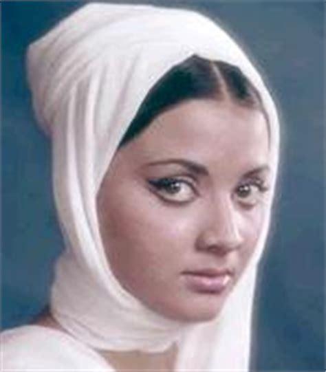biography yogita bali indian hot actress masala yogeeta bali hot sexy indian