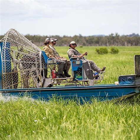 airboat jabiru things to do kakadu national park