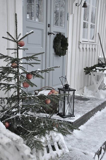 40 rustic outdoor christmas decorations ideas christmas 40 comfy rustic outdoor christmas d 233 cor ideas interior