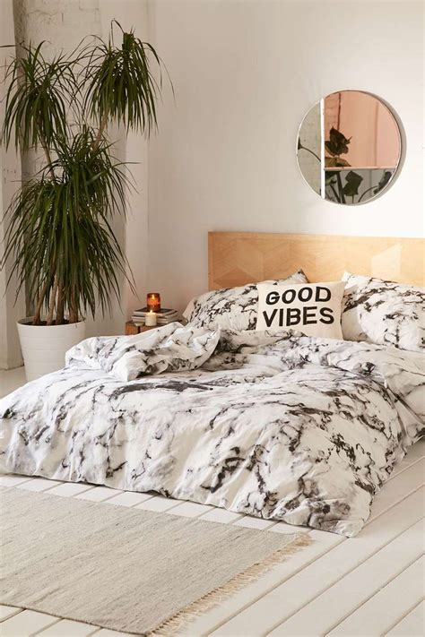 white marble bedroom set 1000 ideas about urban outfitters bedding on pinterest