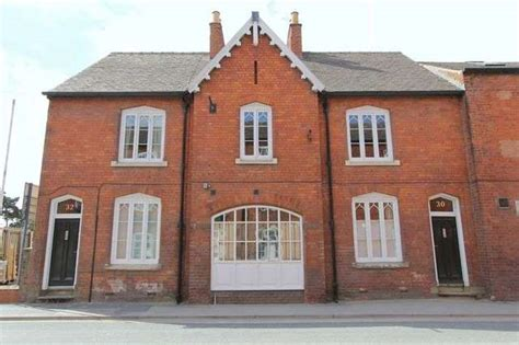 3 bedroom terraced house to rent in flemingate beverley hu17