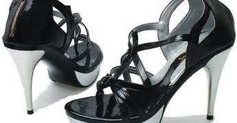 Sepatu Pantofel Merk Yongki Komaladi sepatu perempuan model terbaru merk yongki komaladi
