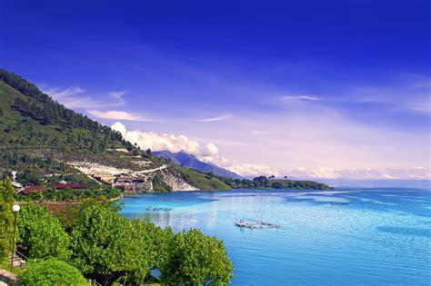 danau toba travel sumatra indonesia lonely planet