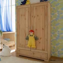 kleiderschrank kinderzimmer kiefer kleiderschrank f 252 r kinderzimmer babyzimmer guldborg