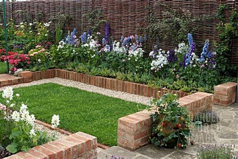 Small Garden Border Ideas Simple Landscape Ideas Brick Landscaping Borders