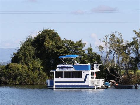 house boat holidays berger houseboat holidays in tweed heads south nsw boat