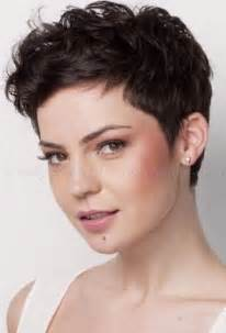 is pixie haircut for overweight pixie haircuts for overweight women hairstylegalleries com