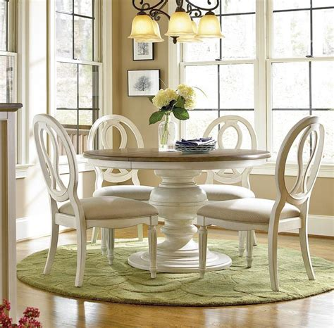 Round White Dining Room Table by Best 25 Round Extendable Dining Table Ideas On Pinterest