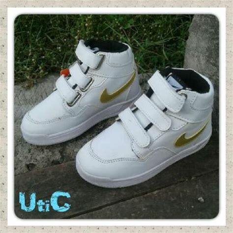 Boot Zr39 Rantai Putih 3 jual sepatu anak wanita laki laki nike boot putih lucu di lapak utic uticollection
