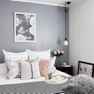 Grey And White Bedroom about white grey bedrooms on pinterest grey bedrooms grey bedroom
