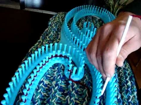 what can you knit on a loom how to loom knit using serenity s loom yarn